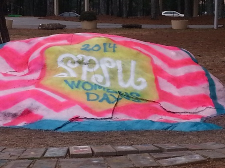 The SPSU Rock was decorated for the occasion.